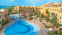 Overview of Secrets Capri Riviera Cancun all-inclusive resort in Mexico.: What to Expect at Secrets Capri Riviera Cancun