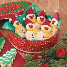 Butter Cookie Snowmen Recipe--holidaycottage.com