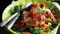 Soy-roasted chicken thighs with stir-fry #recipe. Super tasty and so quick 'n easy to make!