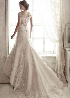 Elegant Tulle V-neck Neckline Mermaid Wedding Dress With Lace Appliques