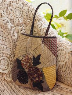 Ulla's Quilt World: Patchwork bag, flowers + pattern - quilt