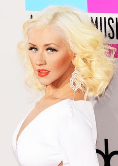 The best images on the red carpet American Music Awards 2013  http://ksusha.com.ua/news/1472-luchshie-obrazy-na-krasnoy-dorozhke-american-music-awards-2013.html
