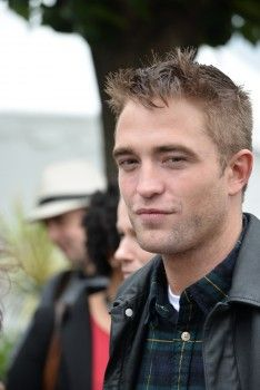 Rob at 'Map to the Stars' Photo call, 5-19-14 (305)