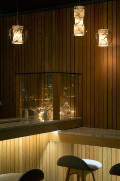Lee Broom designs Old Tom & English bar in London gallery - Vogue Living Oak Restaurant, Restaurant Design, Soho Restaurants, Lee Broom, Luxury Marketing, Vogue Living, Matthew Williamson, Vivienne Westwood, Pendant Lighting