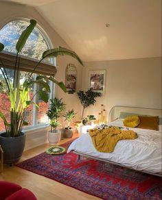 Room Design Bedroom, Room Ideas Bedroom, Bedroom Decor, Aesthetic Room Decor, Cozy Room, Dream Home Design, Dream Rooms, My New Room, House Rooms