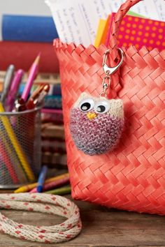 The Making Spot: 6 school gifts to knit! http://www.themakingspot.com/knitting/pattern/6-school-gifts