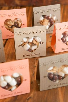 to make these adorable S'more Love wedding favors! Adorable idea for s'mores wedding favors - so unique! Free design too!Adorable idea for s'mores wedding favors - so unique! Free design too! Wedding Favors And Gifts, Winter Wedding Favors, Creative Wedding Favors, Inexpensive Wedding Favors, Elegant Wedding Favors, Personalized Wedding Favors, Unique Weddings, Handmade Wedding, Fall Wedding