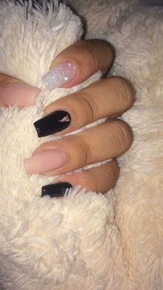 here are 11 Fall Nail Colors You Need Right Now. This list of nail colors is made for you to accentuate the beauty in this season. our styling would be incomplete without the nail color while nails accentuate the complete beauty. Nails Now, Aycrlic Nails, Coffin Nails, Summer Acrylic Nails, Best Acrylic Nails, Fall Nail Art Designs, Acrylic Nail Designs, Nagel Hacks, Fire Nails
