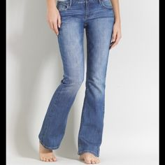 Aeropostale Skinny Flare Jeans First pic is of model wearing similar style of Jeans. Last 3 pics are of actual item/color. Aeropostale medium wash skinny flare Jeans. Hailey style. Size 3/4 Regular. 99% Cotton and 1% Spandex. Inseam 28. This item is in Good condition, Authentic and from a Smoke And Pet free home. All Offers through the offer button ONLY. I Will not negotiate Price in the comment section. Thank You 😀 Aeropostale Jeans Flare & Wide Leg