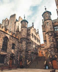 New College on the Mound recognisable for it's distinctive towers. It is the school of Divinity for The University of Edinburgh. [building]