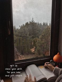 Izaskowronska Study in the fall, study motorization, study inspiration, . Cozy Aesthetic, Autumn Aesthetic, Home Office Inspiration, Orange Pastel, Study Motivation Quotes, Reading Motivation, Autumn Scenery, Fall Wallpaper, Rainy Day Wallpaper