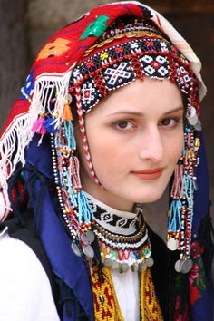 Bulgarian woman in traditional costume - that delicate face would be considered beautiful from any country in the world. Folk Costume, Costumes, Costume Ethnique, Beautiful People, Beautiful Women, Beauty And Fashion, Beauty Around The World, Ethnic Dress, Ethnic Fashion