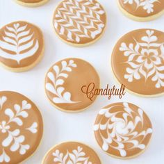 目からウロコのコーヒーセミナー - Candytuft Biscuit Cookies, No Bake Cookies, Sugar Cookies, Cake Decorating Tools, Cookie Decorating, Crazy Cookies, Royal Icing Decorations, Cookie Box, Flower Cookies