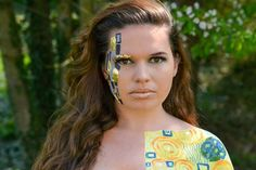 Gustav Klimt inspired makup with Natalie Setareh and Elements of the Beautiful. Artful and creative makeup collaboration. Only Fashion, Club Fashion, Beauty Skin, Beauty Makeup, Boredom Busters For Kids, Fun Projects For Kids, Beauty Advice, Club Style, Creative Makeup