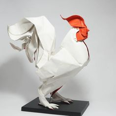 Hoang Tien Quyet creates lively animals with elegant forms who have their heads tilted and wings ready to fly. Origami Paper Art, Paper Crafts, Origami Rooster, Japanese Paper Art, Metal Roses, Paper Structure, Arches Watercolor Paper, Watercolour, Origami Diagrams