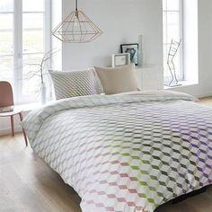 Kardol en Verstraten Eternal dekbedovertrek op www.smulderstextiel.nl - #dekbedovertrek #grafisch #bedding #beddengoed #dekbedovertrek #sheets #bedtextiel