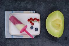 Sucettes glacées au melon vert Plastic Cutting Board, Plain Greek Yogurt, Ice Pops, Yogurt