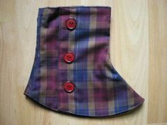 With interesting material, even very simple gaiters become real eye-catchers. Sewing Tutorials, Sewing Crafts, Sewing Patterns, Diy Fashion Accessories, Costume Accessories, Spats Shoes, Boho Shoes, How To Make Clothes, Fancy