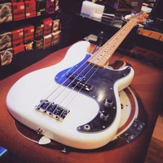 Fender Precisione Dee Dee Ramone 1 2 3 4 SOLD! Bye bye ❤️ #fender #deedeeramone #precisionbass #precision #ramones #bassline