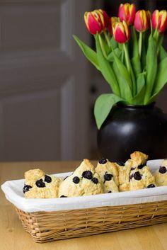 Rezept für Blueberry-Cream-Scones mit Clotted Cream und Marmelade zum Sonntagsfrühstück