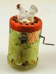Vintage Cackling Hen Wind Up Toy