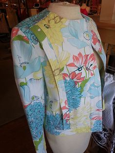 Womens Burberry Floral Jacket ITALY Size 10 / 12 UK Zip front EUC $149