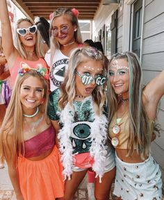 Cute Bid Day Outfits and Styling College Sorority, Sorority Life, Sorority Sisters, Sorority Recruitment Outfits, Sorority Bid Day, Best Friend Photos, Best Friend Goals, Group Halloween Costumes, Halloween Outfits