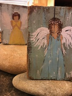 Easy Canvas Painting, Painting On Wood, Canvas Art, Christmas Paintings, Christmas Art, Angel Artwork, Angel Crafts, Pallet Art, Learn To Paint