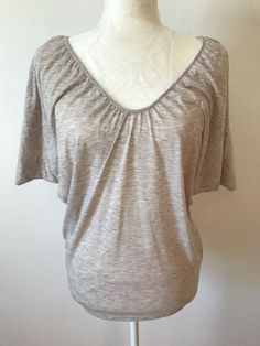 Womens Small EXPRESS Beige Knit Shirt Batwing Short Sleeves V Scoop Neck Top S #Express #KnitTop