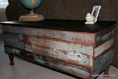 Beyond The Picket Fence: Pallet Storage Bench/Coffee Table Tutorial..lots of cool 2x4 ideas