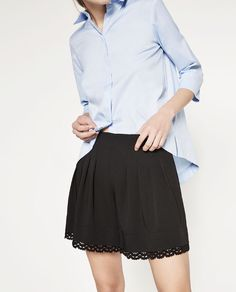BERMUDA SHORTS WITH LACE TRIM