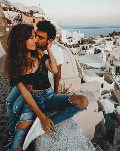 Best Photo Spots In Santorini (With Map) - Griechenland Best Instagram Photos, Photo Instagram, Instagram Blog, Relationship Goals Pictures, Cute Relationships, Cute Couples Goals, Couple Goals, Couple Photography, Photography Poses