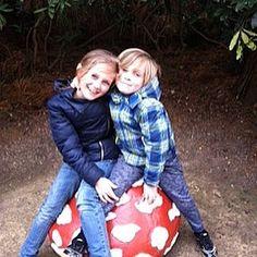 #efteling #paddenstoel #lievekleinedingen #brotherandsister #myboy #mygirl #fun #easterholidays #love #lovethemtobits by kim_cabus