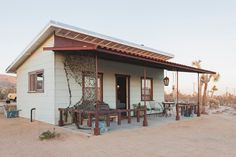 Cabin in Joshua Tree, United States. Fabulous getaway with all the features of the ultimate desert-eco experience.