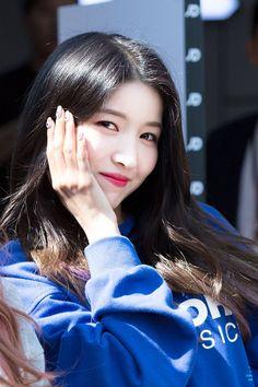 Kpop Girl Groups, Kpop Girls, Vent To Someone, Gfriend Sowon, Seoul Music Awards, Ailee, Love U So Much, G Friend, My Girl