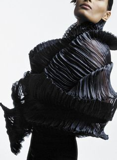 Sculptural Fashion - structured shapes and delicate, dimensional textures achieved through fabric manipulation // iThea Bjerg Geometric Fashion, 3d Fashion, Fashion Fabric, Fashion Details, Fashion Design, Structured Fashion, Led Costume, Sculptural Fashion, Fabric Manipulation