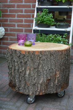 How tо Make а Tree Stump Table Log Furniture, Unique Furniture, Tree Stump Table, Wood Stumps, Patio Umbrella Stand, Ideas Geniales, Wood Dust, Easy Home Decor, Wooden Tables