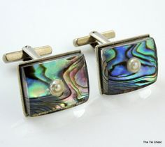 Great set of cufflinks. Each cufflink measures approx. 3/4 x 1/2. Very good vintage condition with light wear only.  SKU J-207
