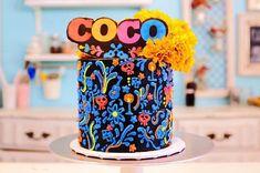 Fiesta temática de CocoDisney, Coco Birthday, adornos para una fiesta de la Película de Coco Disney, centros de mesa muy originales, invitaciones, cupcakes, pasteles, piñatas y el mejor disfraz.