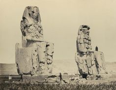 1860 - The statues of the plain, Thebes. Photographe : Francis Frith