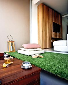 New apartment patio turf fake grass ideas Pasto Natural, Faux Grass, Balkon Design, Small Backyard Patio, Apartment Balconies, Artificial Turf, Sweet Home, House Design, Interior Design