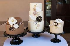 Rustic Shabby Chic Vintage Brown Fall Round Wedding Cakes Photos & Pictures - WeddingWire.com
