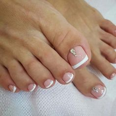 21 elegant toe nail designs for spring and summer: elegant, french pedicure with sparkle; Feet Nail Design, Toe Nail Designs, Cute Toenail Designs, Toe Nail Color, Toe Nail Art, Spring Nail Art, Nail Designs Spring, French Toe Nails, French Toes