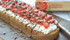 Basisrecept kruimeldeeg - Carola Bakt Zoethoudertjes Dutch Recipes, Cooking Recipes, Cake Recept, Cupcake Cakes, Cupcakes, Piece Of Cakes, Cheesecake, Strawberry, Cookies