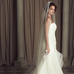 Champagne One-tier Bridal Veil Chapel Length Lace Applique Decorated Veil with Raw Cut Edge