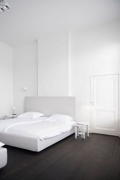 Minimal And White By Studio Niels