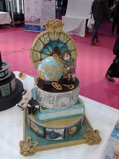 gorgeous steampunk cake
