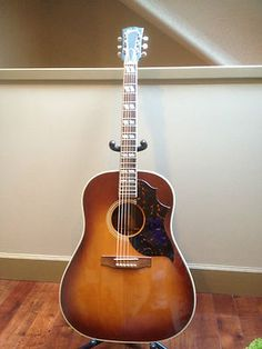 1948 Gibson Southern Jumbo Martin Acoustic Guitar, Gibson Acoustic, Acoustic Guitars, Gibson Epiphone, Gibson Guitars, Guitar Amp, Cool Guitar, Music Boxes, Guitar For Beginners
