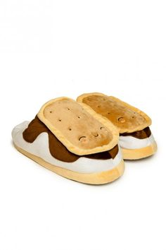 Snugly S'mores Footwarmer Slippers (plug them into your computer via USB!!) #gift #s'mores #winter #present #stocking_stuffer