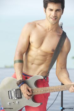 Our Bollywood actors are famous for removing shirts on screen. See pictures of 15 hottest shirtless Bollywood actors. Bollywood Stars, Bollywood News, Bollywood Images, Indian Celebrities, Bollywood Celebrities, Varun Dhawan Body, Varun Dhawan Photos, Shirtless Actors, Alia And Varun